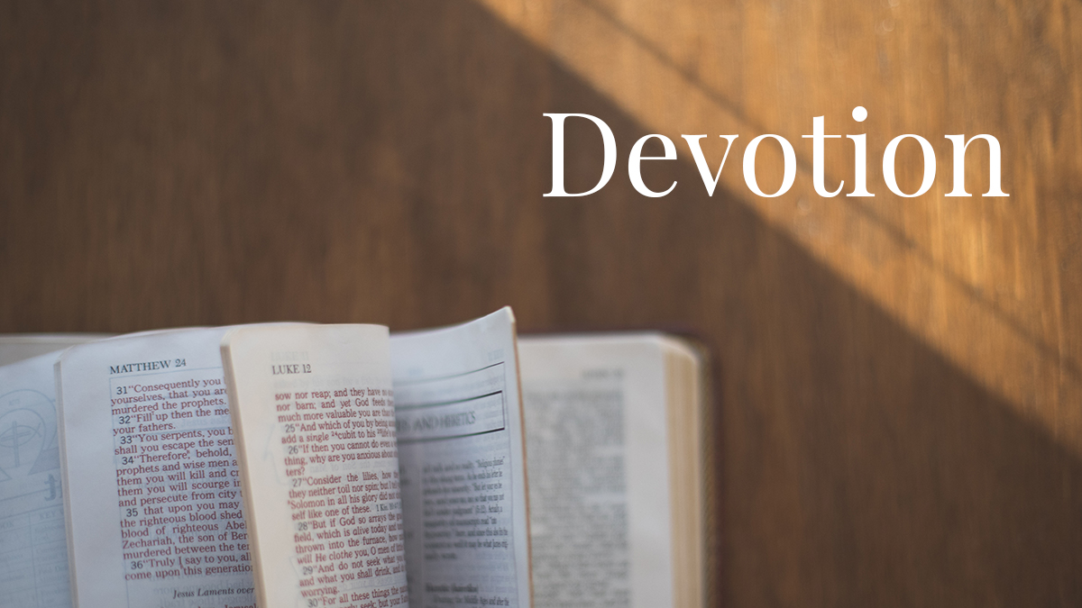 The open bible for devotion