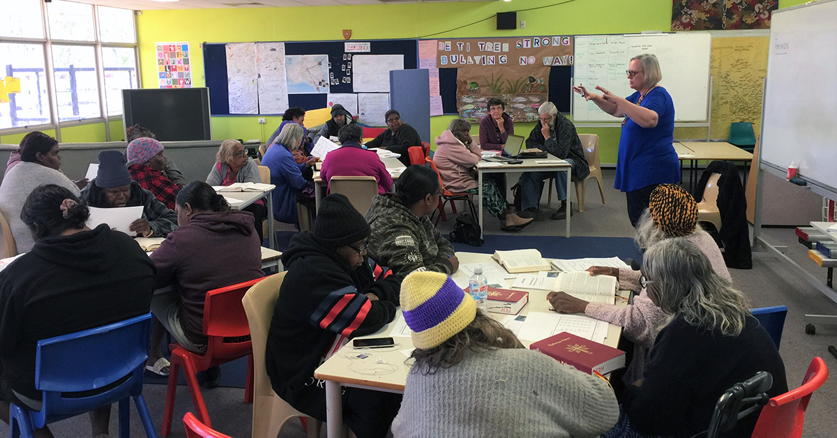 Helen Lockwood leads a group of Indigenous Australian Women in Bible Study at Finke River Mission